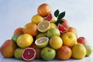 Pyramide mit viel Obst